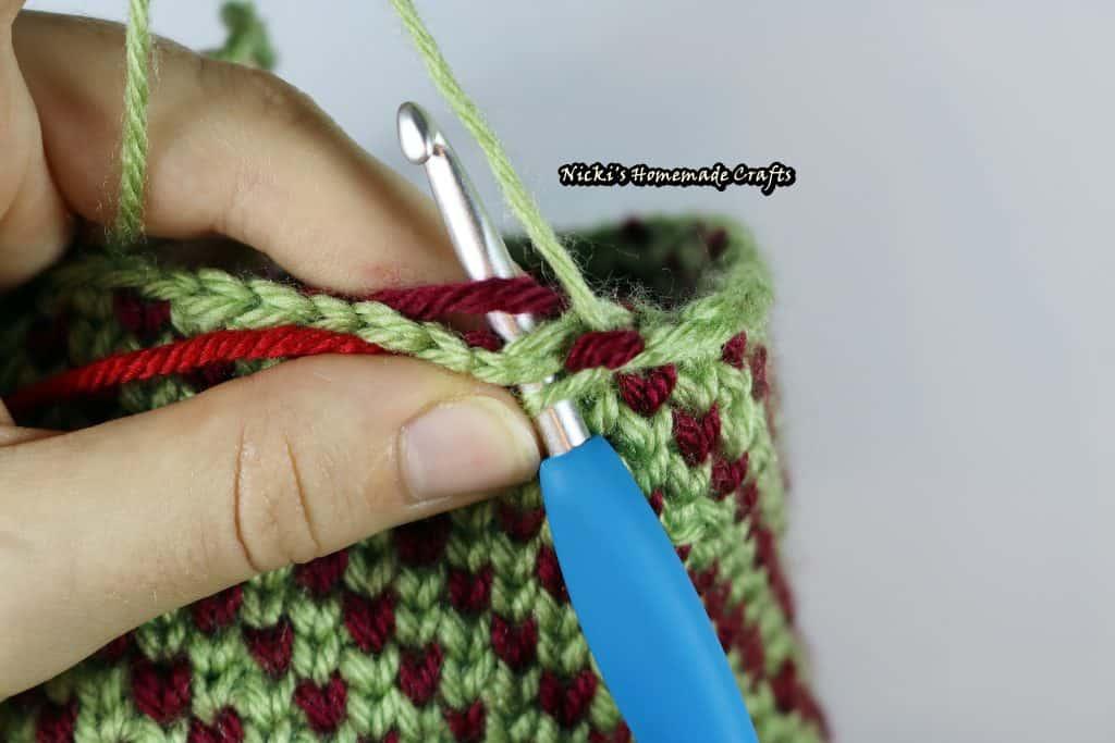 crochet 2 colors using waistcoat stitch